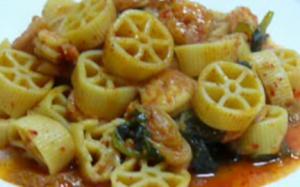 Spicy Kimchi Shrimp Pasta