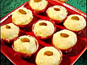 Rava Coconut Ladoo