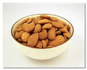 store raw almonds