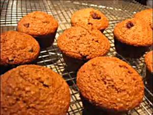 Applesauce Spice Bran Muffins