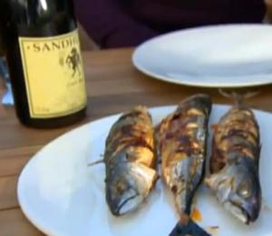 Eat the Fish with Red Wine
