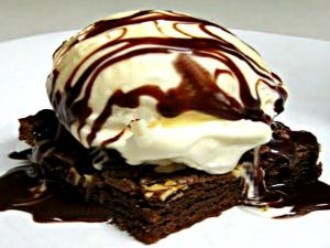 Betty's Hot Fudge Sauce.mpg