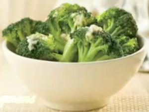 Wegmans Broccoli with Garlic and Cheese in 2 Minutes