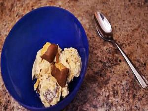 Halloween Peanut Butterfinger Ice Cream