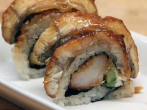 How to Make Sushi - Unagi Eater Rolls