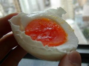 Health effects of eating rotten eggs
