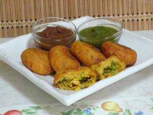 Paneer Stuffed Aloo Tikkis - Potato Patties