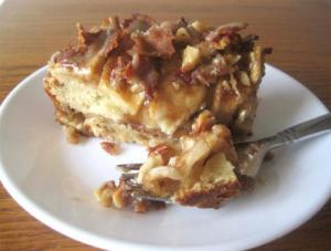 Walnut-Raisin Cake