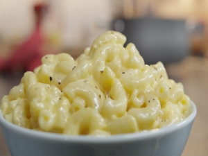 Mascarpone and Cheddar Macaroni and Cheese
