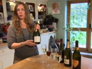 Wine Video 28 - Love the Champagne Lifestyle - For Under £10?