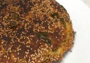 Instant Pan Handvo - Savory Pan Cake - Gujarati Cuisine