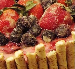 Fresh Raspberry Refrigerator Cake