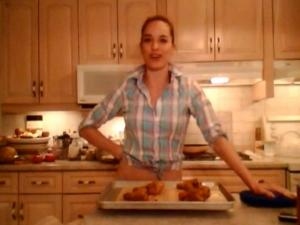 How to Bake Cornmeal Crusted Chicken Drumsticks