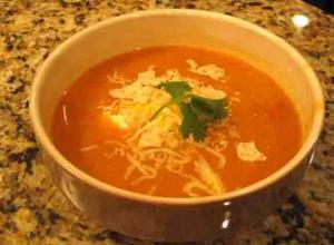TOMATO AND VERMICELLI SOUP