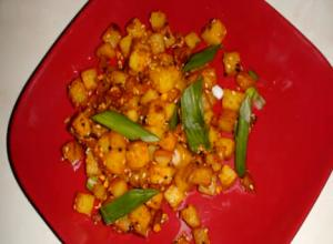 Bateta nu Shaak - Aaloo Sabji (Spicy Potato Hash Browns)