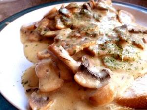 Creamed Leeks and Mushrooms