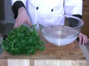 How to: Wash Fresh Herbs