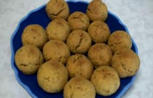 Methi Makhania Biscuits - Fenugreek Leaves Biscuits