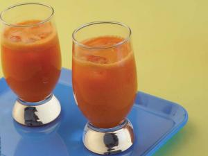 Apple Carrot Drink by Tarla Dalal