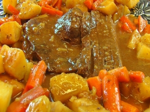 Betty's Slow Cooker Sirloin Beef Roast with Vegetables
