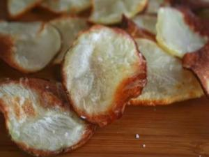 How to Make Oven-Baked Potato Chips
