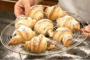 How to make Mincemeat Croissants
