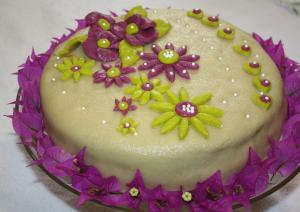 My Birthday Cake with Marzipan / Mon gateau d'anniversaire au Marzipan 2012-Sousoukitchen