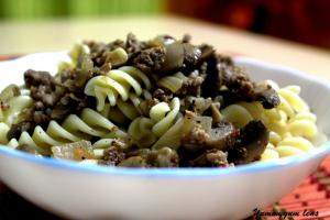 Meaty Shroom Pasta with Herb Dressing
