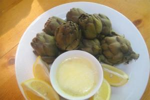 Artichokes with Lemon Sauce