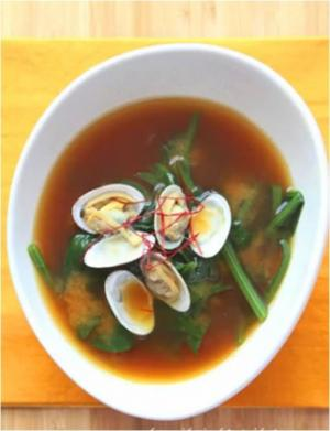 Korean Spinach and Clam Soup