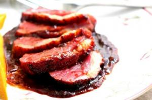 Cinnamon Duck with Redcurrant Sauce