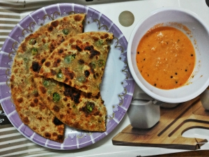 Hare Matar Ka Zaykedar Paratha (Delicious Green Peas Paratha)