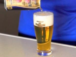 How to Pour a Beer with a Perfect Head in 3 Steps
