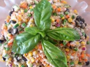 Healthy And Easy Quinoa Salad