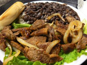 How To Eat Bistec Picado