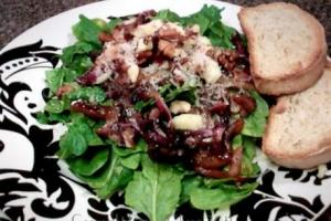 Wilted Spinach and Radicchio Salad