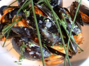 Cold Mussels With Almond Sauce