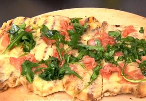 Arugula, Prosciutto and Cheese Grilled Pizza