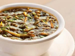 Hot and Sour Soup by Tarla Dalal