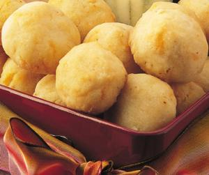 Cheese puffs as winter appetizers