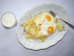 Fried Egg and Potato Slices