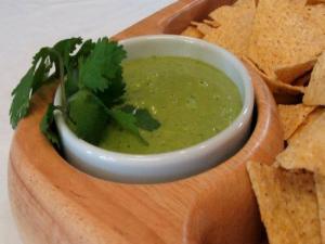 Lynn's Tomatillo Salsa