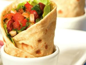 Rajma and Spinach Wrap (Multi-nutrient) by Tarla Dalal