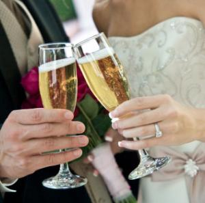 How to arrange drinks for wedding feast
