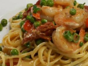 Bacon and Shrimp Pasta tossed in Linguine Noodles