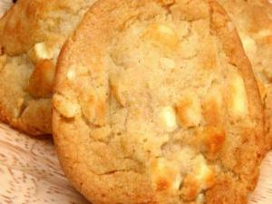Organic Macadamia Nutty Coconut Cookies