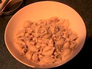 Zuza zak's Weeknight Dinners: Black Eyed Beans and Pasta
