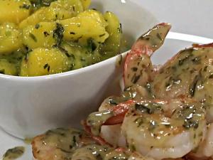 Shrimp with White Wine Cilantro Sauce and Mango Salsa