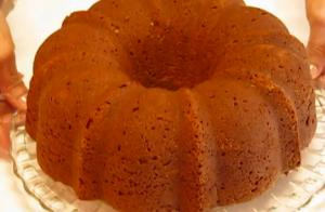 Moist Vanilla Bundt Cake