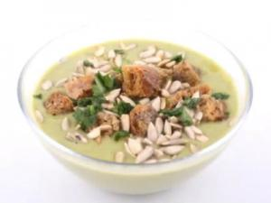 Brokkolicreme Suppe mit Croutons - Gemüsesuppe